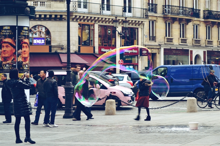 SOAP BUBBLE PARIS