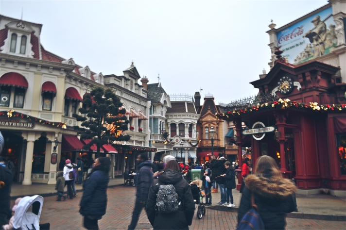 DISNEYLAND PARIS SHOPS FOR CHRISTMAS