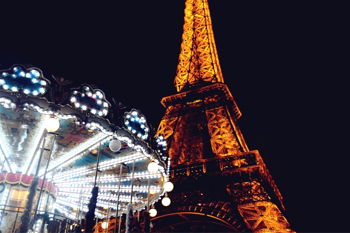 TOUR EIFFEL CAROUSSEL PARIS BY NIGHT