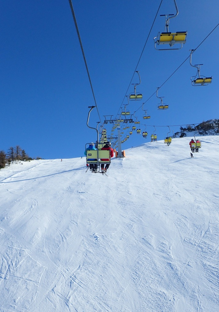 SNOWBOARDING KRVAVEC